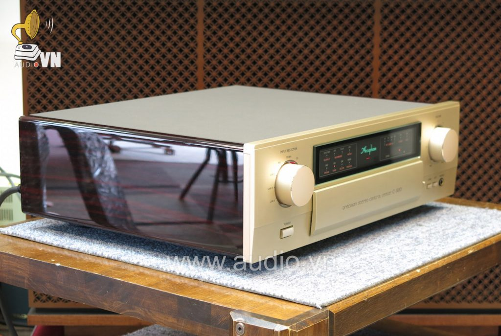 Accuphase-C-2420 (1)