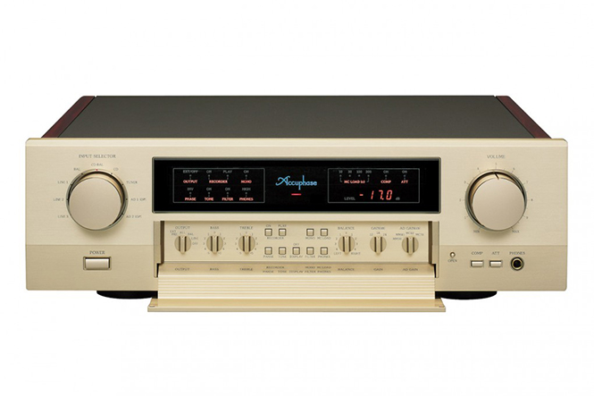 Amply Accuphase C-2420 (1)