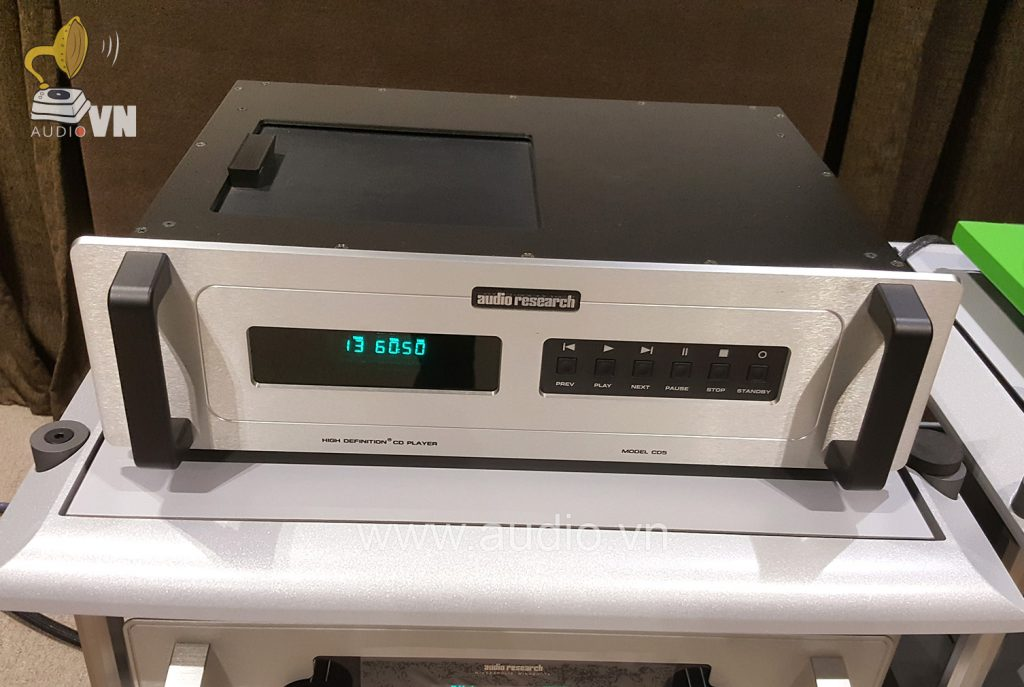 Preamplifier Audio Research LS28 (2)