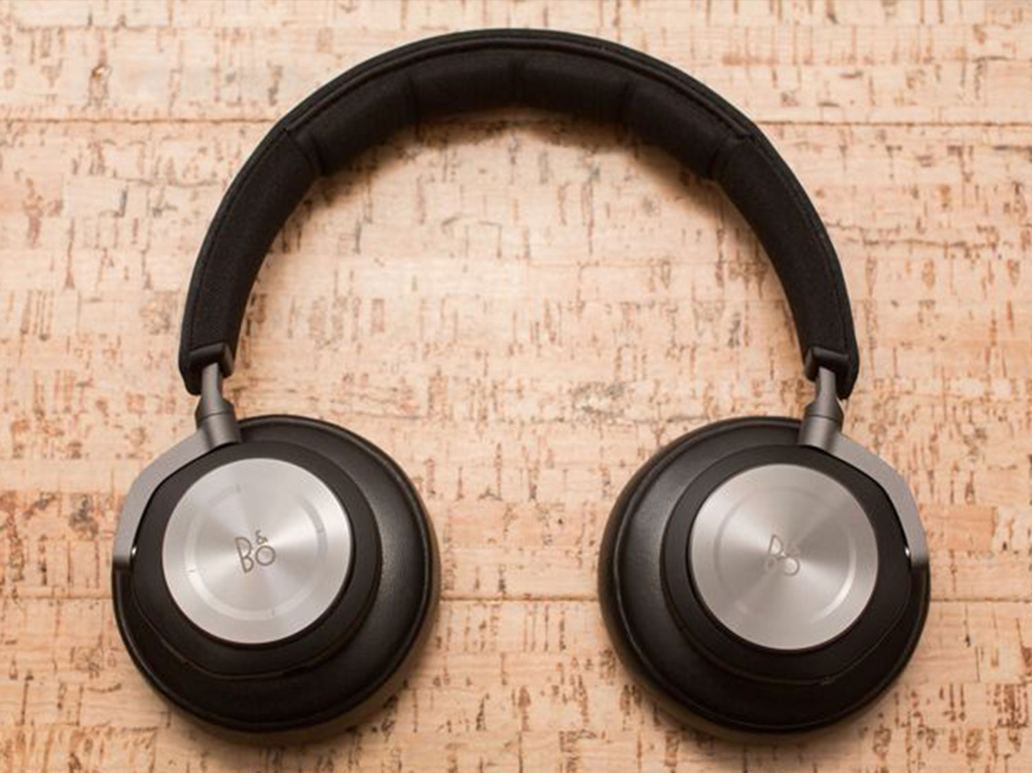 b-o-play-beoplay-h7-by-bang-olufsen-07