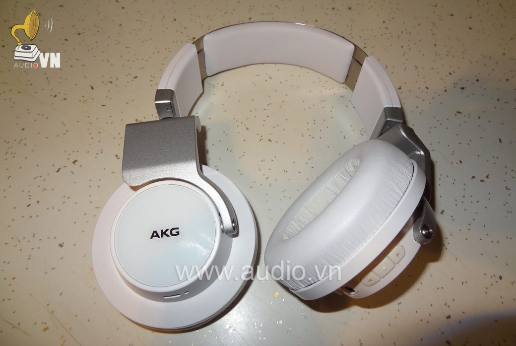 AKG K845 BT