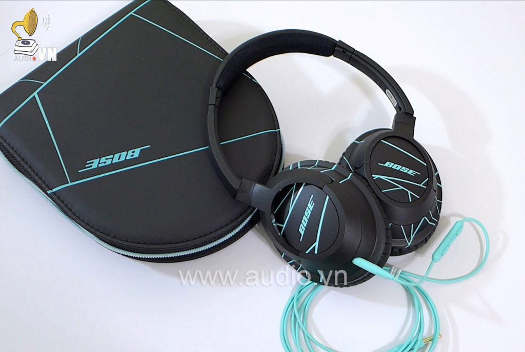 Bose SoundTrue Around-Ear