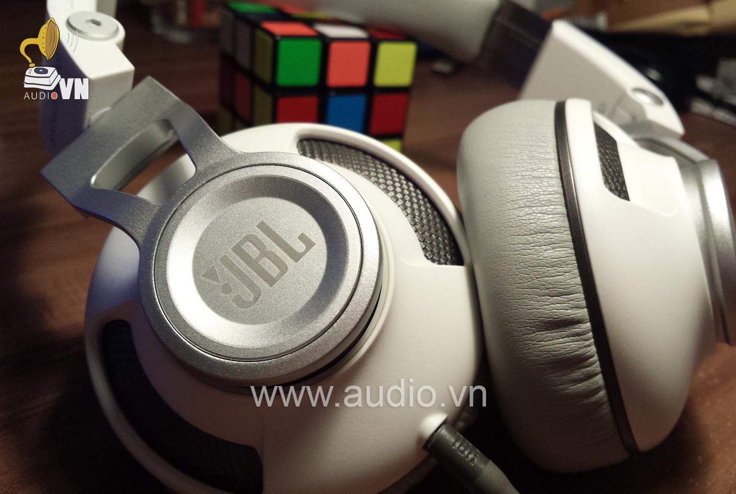 JBL Synchros S300